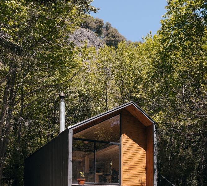 Refugio PV – Lorena Troncoso Valencia