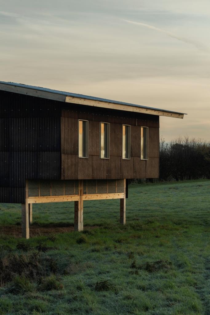 Refugio Estudio polivalente – Arquitectura de práctica + Unidad 7, Universidad Metropolitana de Londres